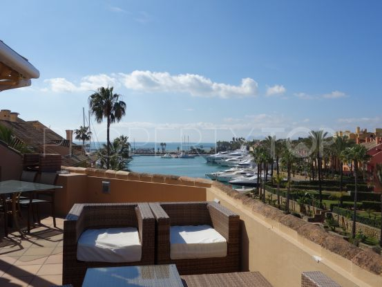 For sale penthouse in Sotogrande Puerto Deportivo with 4 bedrooms | John Medina Real Estate
