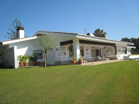 Buy villa with 5 bedrooms in Sotogrande Costa | Peninsula Properties