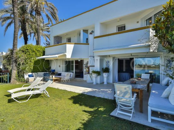 Buy town house with 6 bedrooms in Sotogrande Playa | Peninsula Properties
