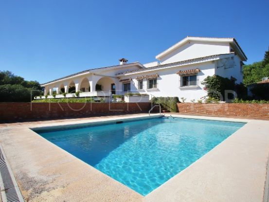 Buy Sotogrande Alto Central villa with 6 bedrooms | Peninsula Properties