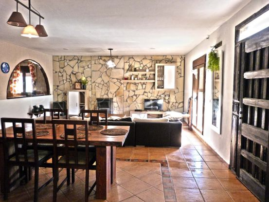 Country house with 2 bedrooms for sale in San Martin del Tesorillo | Savills Sotogrande
