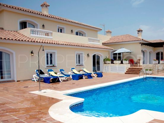 For sale villa in Alcaidesa Alta with 4 bedrooms | Savills Sotogrande