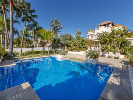 For sale villa in Marbella East with 5 bedrooms | Gilmar Marbella Golden Mile