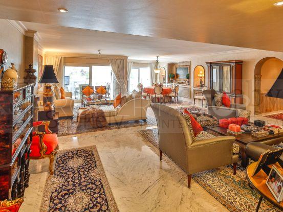 Comprar apartamento en Playas del Duque con 3 dormitorios | KS Sotheby's International Realty