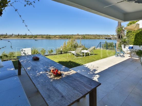 Semi detached villa for sale in Playa en Sotogrande | KS Sotheby's International Realty