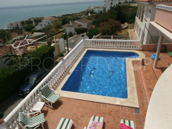 Villa for sale in Estepona | Crownleaf Estates