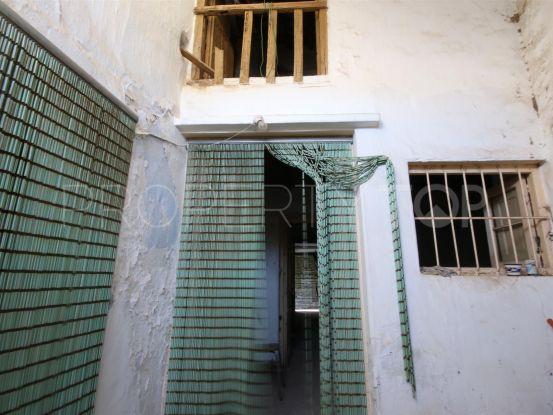 Plot with 5 bedrooms in Estepona Centro | Terra Meridiana