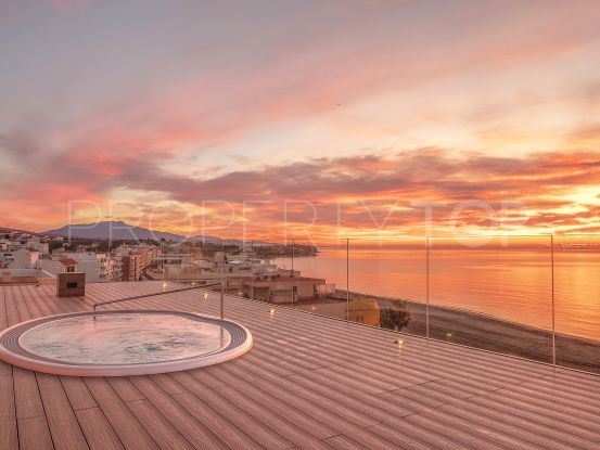 For sale penthouse with 3 bedrooms in Estepona Centro | Terra Meridiana