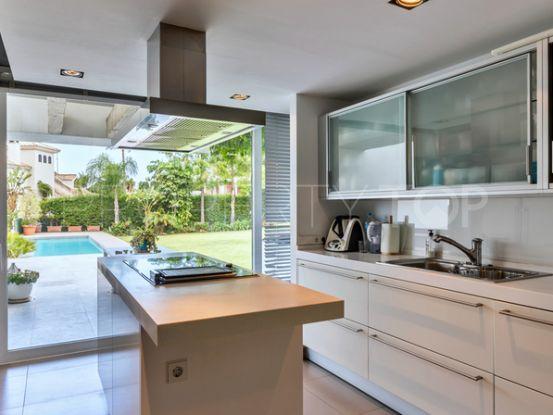 For sale Nueva Andalucia villa with 4 bedrooms | Engel Völkers Marbella