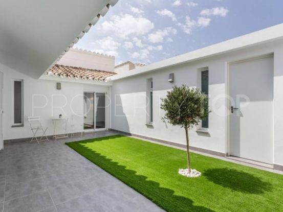 Town house for sale in New Golden Mile with 2 bedrooms | Gilmar Estepona