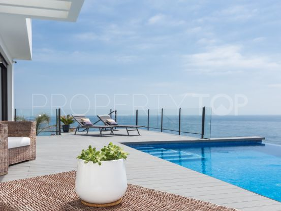 4 bedrooms Casares Playa villa for sale | Gilmar Estepona