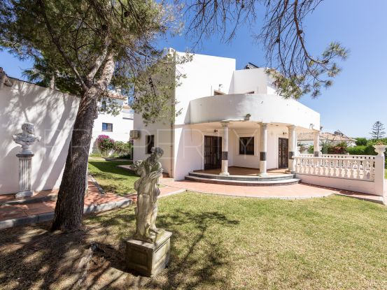 For sale villa in Bahia Azul with 6 bedrooms | Gilmar Estepona