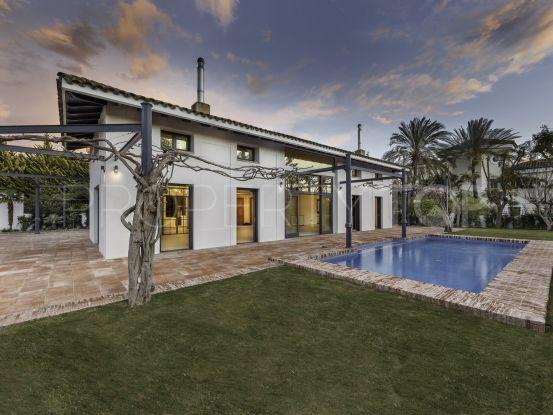 Villa for sale in Guadalmina Baja with 6 bedrooms | Gilmar Puerto Banús