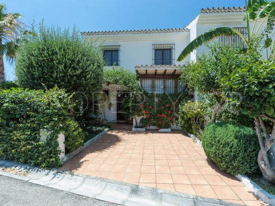 Town house for sale in S. Pedro Centro with 4 bedrooms | Gilmar Puerto Banús
