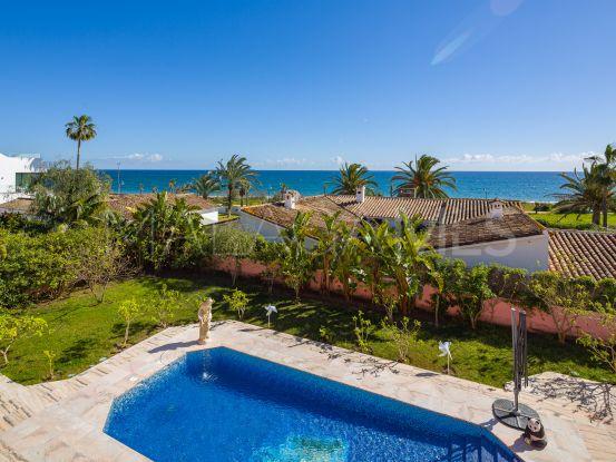 Comprar villa de 4 dormitorios en El Saladillo, Estepona | KS Sotheby's International Realty