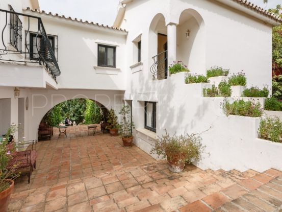 For sale Istan villa with 8 bedrooms   Gilmar Marbella Golden Mile
