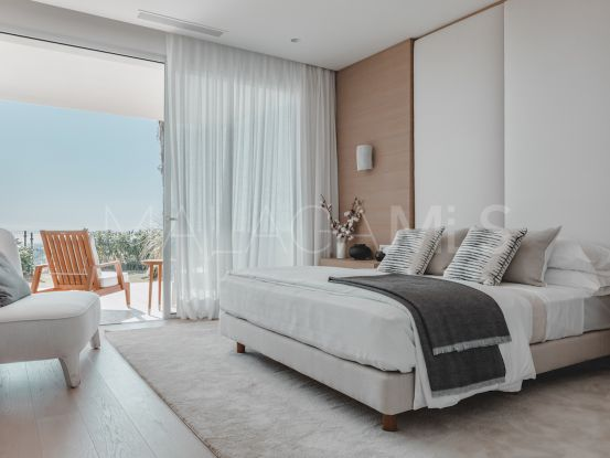Duplex planta baja en venta en Marbella Club Hills, Benahavis | Terra Meridiana