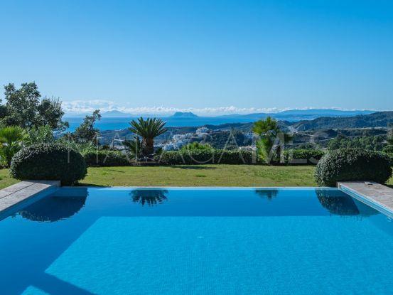 Villa de 4 dormitorios a la venta en Marbella Club Golf Resort, Benahavis   Terra Meridiana