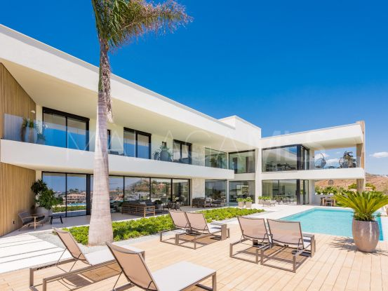 For sale 5 bedrooms villa in La Alqueria, Benahavis | Terra Meridiana