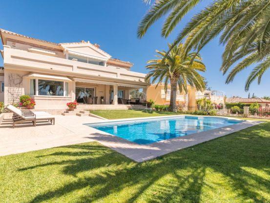 Buy villa in Los Naranjos Golf, Nueva Andalucia | Terra Meridiana