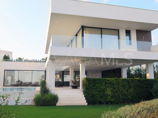 For sale villa in La Alqueria with 3 bedrooms | Engel Völkers Marbella