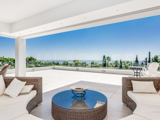 Comprar villa en Cascada de Camojan | Engel Völkers Marbella