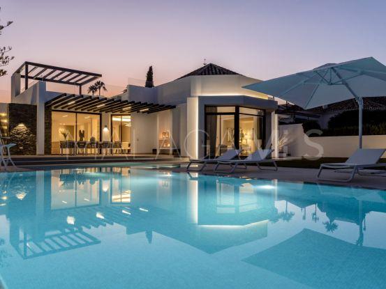 Villa con 5 dormitorios a la venta en Nueva Andalucia, Marbella | Engel Völkers Marbella
