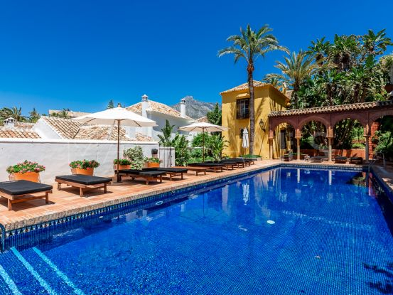Marbella Golden Mile town house for sale | Engel Völkers Marbella