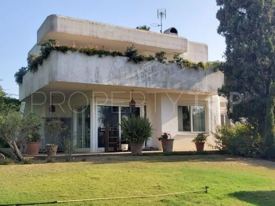 For sale villa in Zona A with 4 bedrooms | Kassa Sotogrande Real Estate