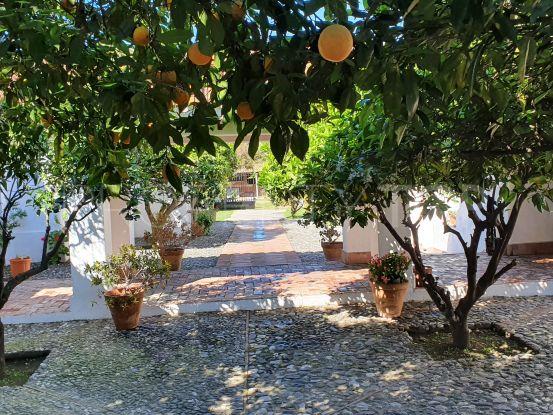 11 bedrooms San Enrique de Guadiaro country house for sale | Goli Real Estate