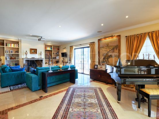 12 bedrooms villa in Marbella Golden Mile for sale | Strand Properties