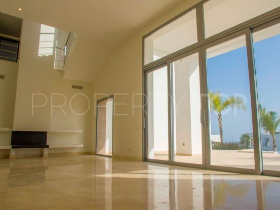 For sale 4 bedrooms villa in Puerto del Capitan, Benahavis | Strand Properties
