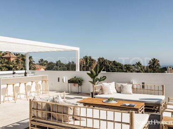 Villa en venta de 5 dormitorios en Altos de Puente Romano, Marbella Golden Mile | Strand Properties