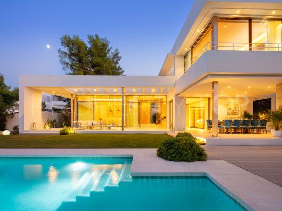 For sale Nueva Andalucia villa | Strand Properties