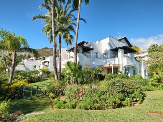 For sale 3 bedrooms apartment in La Quinta, Benahavis | Celine Property Group