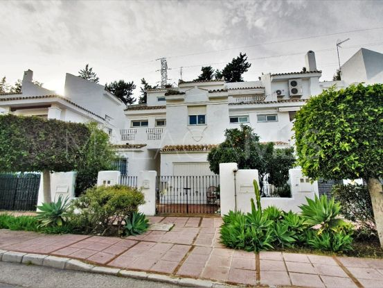 Nueva Andalucia 4 bedrooms town house for sale   Roccabox
