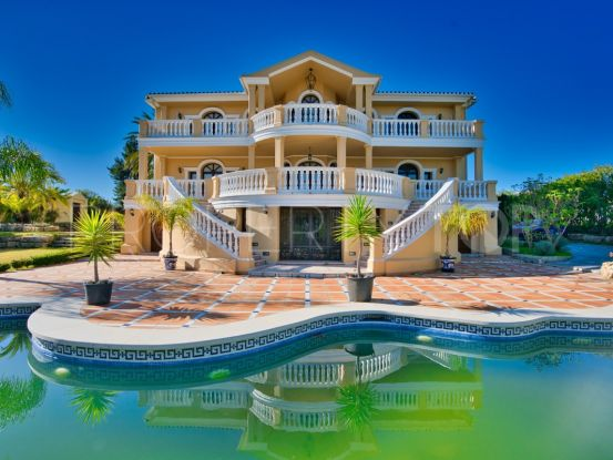 Villa for sale in Estepona | Roccabox