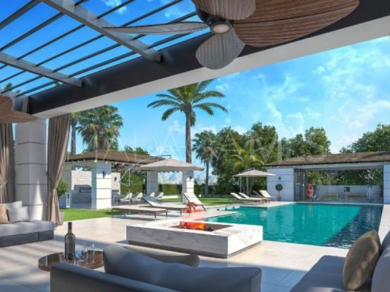 Villa for sale in Estepona with 5 bedrooms | Roccabox