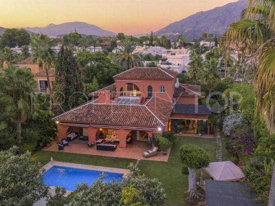 5 bedrooms Aloha villa for sale | Nueva Vida Marbella