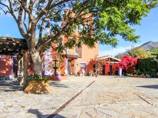Villa for sale in Alhaurin el Grande with 6 bedrooms   Blue Square