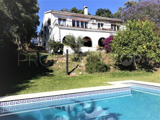 For sale finca with 6 bedrooms in Los Barrios | Selection Med