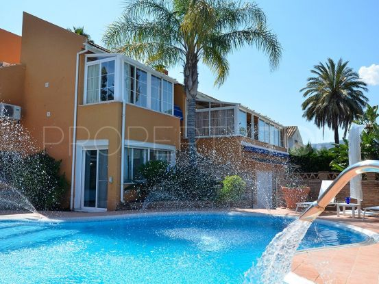 For sale villa in Las Brisas with 4 bedrooms | Marbella Living