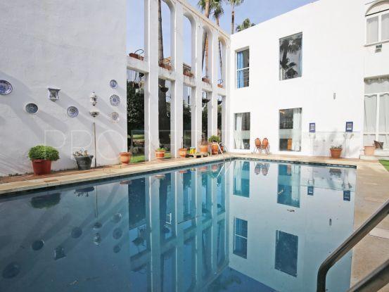 Buy villa with 5 bedrooms in Las Brisas, Nueva Andalucia   Marbella Living