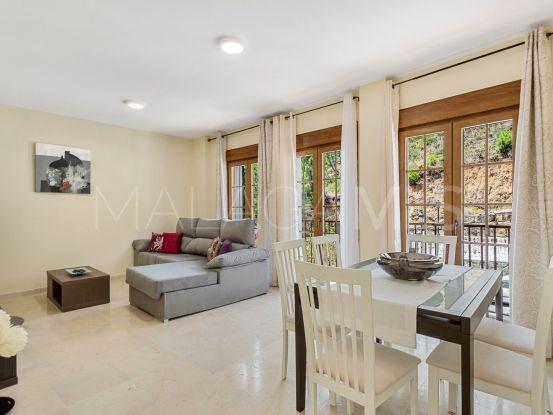 Se vende apartamento de 2 dormitorios en Benahavis Centro | Marbella Living