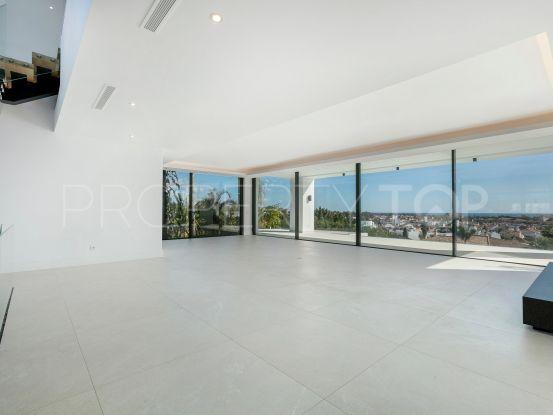 Villa for sale in El Paraiso | Marbella Living