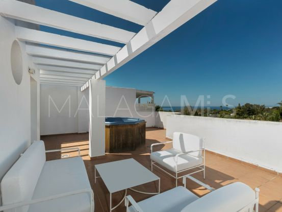 Penthouse with 2 bedrooms for sale in Marbella Real, Marbella Golden Mile | Marbella Living