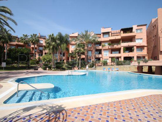 For sale ground floor apartment in Oasis de Marbella with 3 bedrooms | Marbella Living