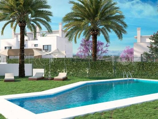 For sale town house in Alhaurin de la Torre with 4 bedrooms | Marbella Living