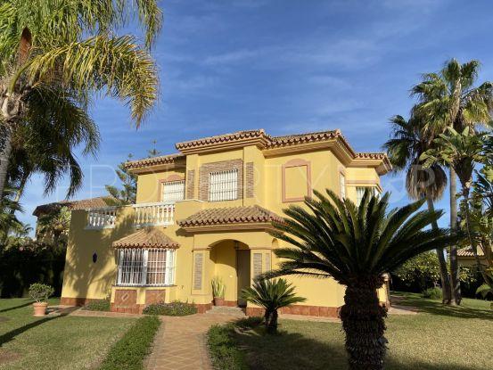For sale 3 bedrooms villa in Atalaya, Estepona | Marbella Estates