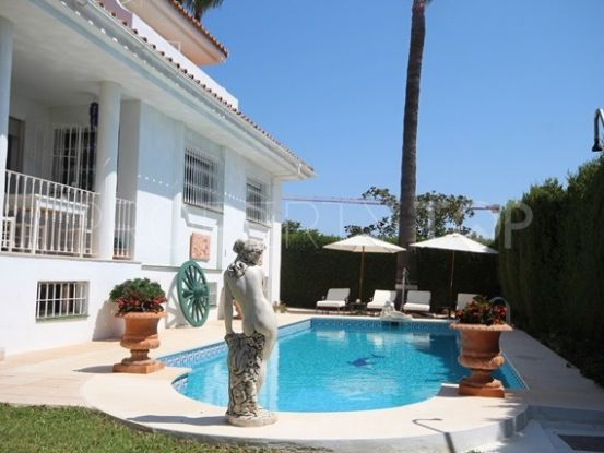 El Pilar 5 bedrooms villa for sale | Marbella Estates